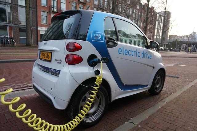 רכבים חשמליים – למה הגיע הזמן ששוק הרכבים שלנו יתקדם…
