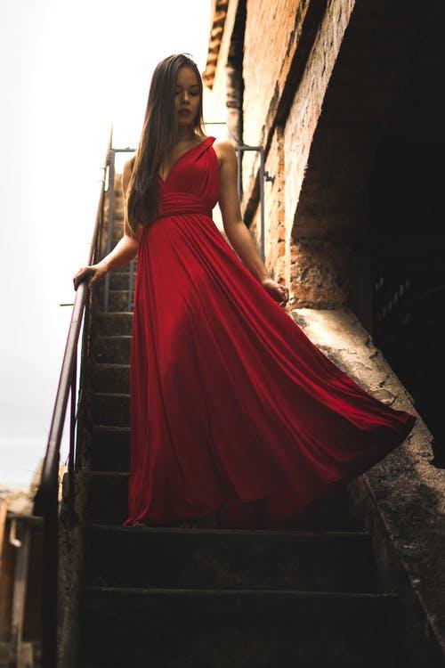 שמלות לנשים